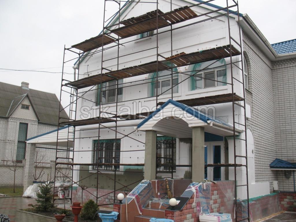 Смета на окраску фасада с лесами